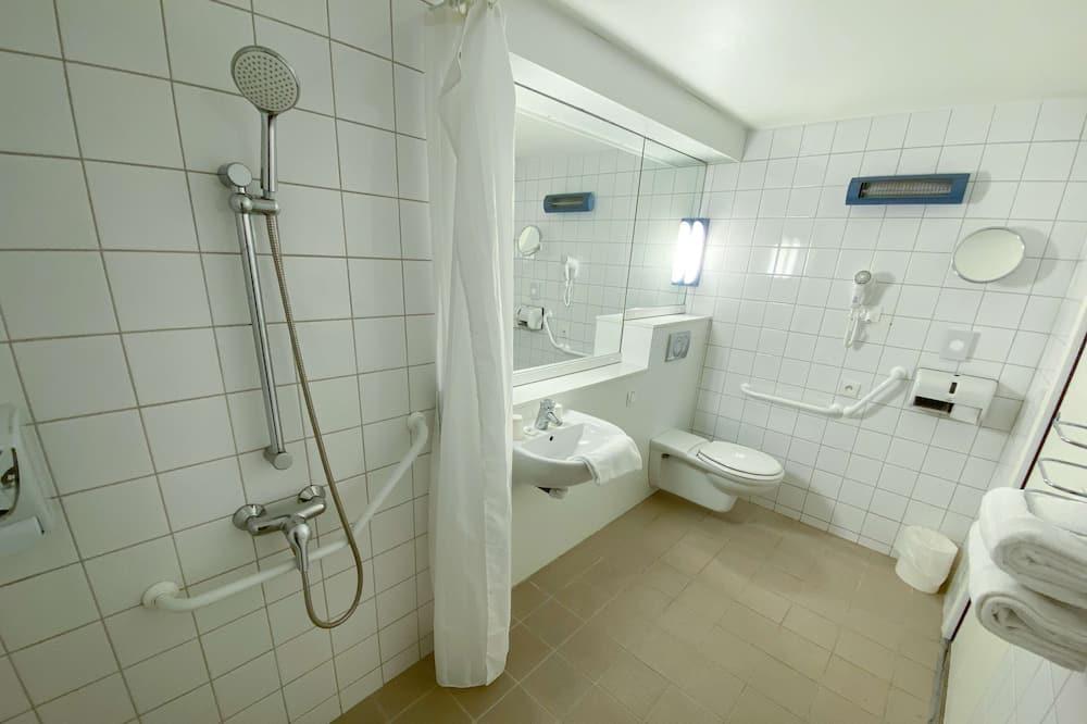 標準客房, 多張床 (with double bed & extra bed) - 浴室