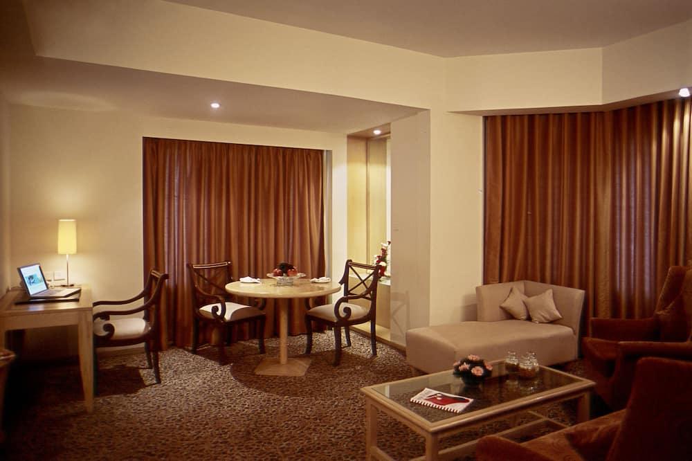 Luxury Suite - Living Room