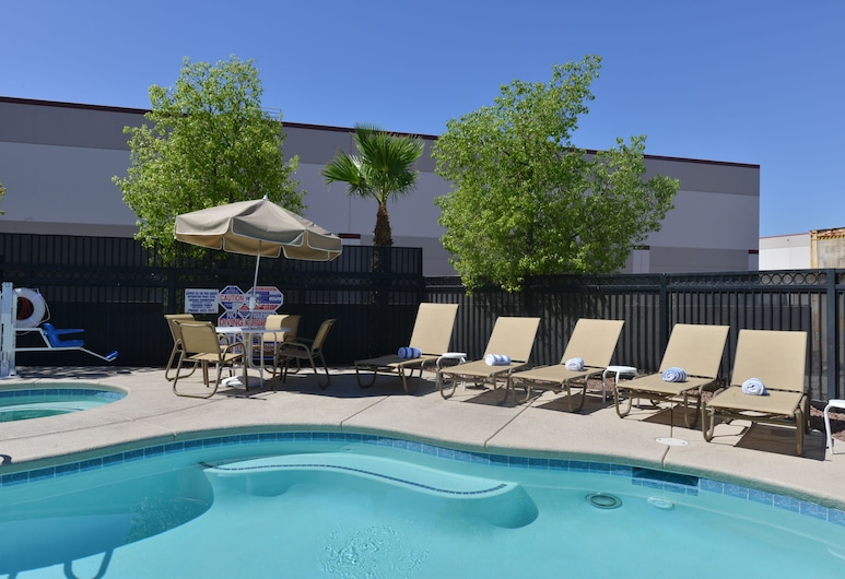 Comfort Inn & Suites Las Vegas - Nellis, Las Vegas, Vonkajší bazén