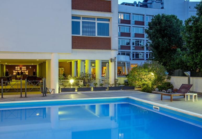 卡潘尼爾酒店, 羅馬, 室外泳池