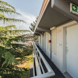 Standard Triple Room, 3 Twin Beds - Balcony View