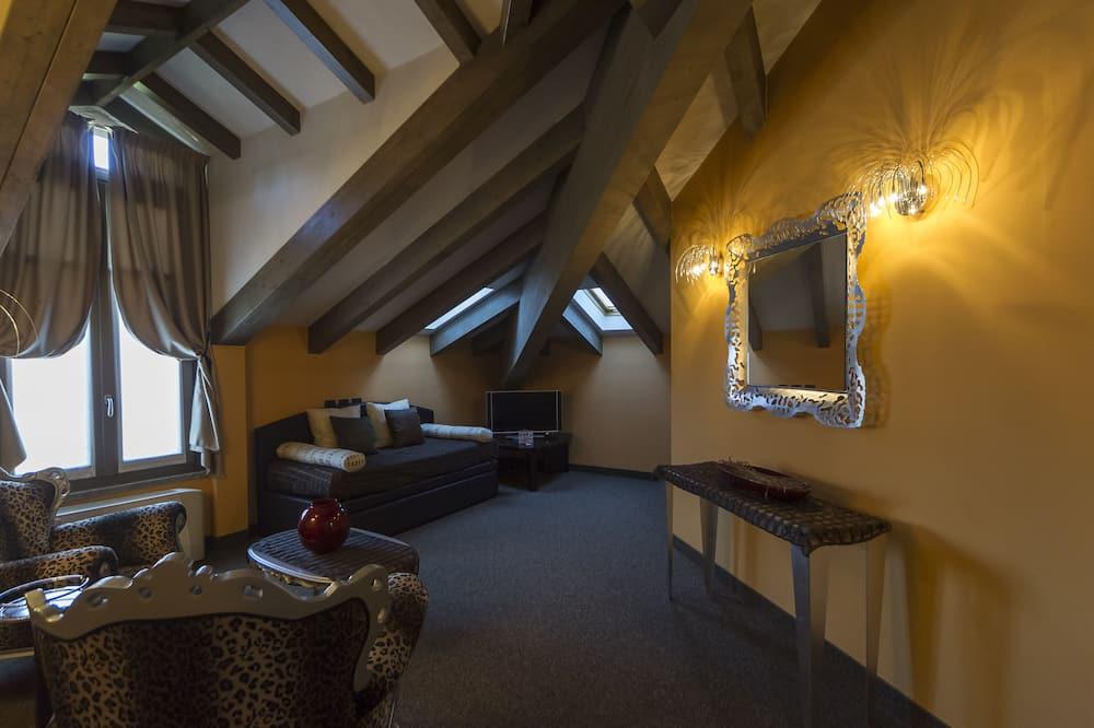 Junior Suite, 1 Katil Raja (King) - Ruang Tamu