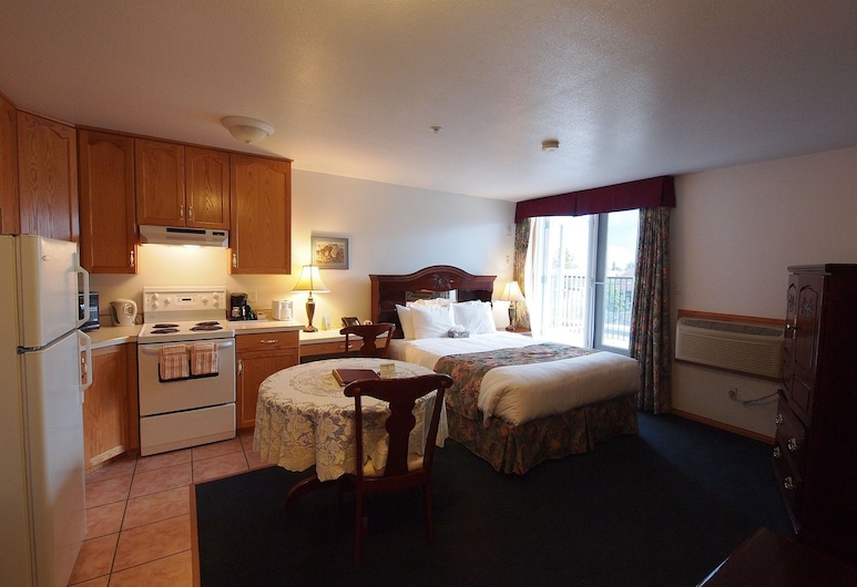 Executive House Suites Hotel & Conference Centre, High Level, Guest Room