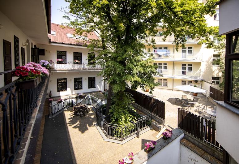Hotel Amadeus, Praha, Dvor