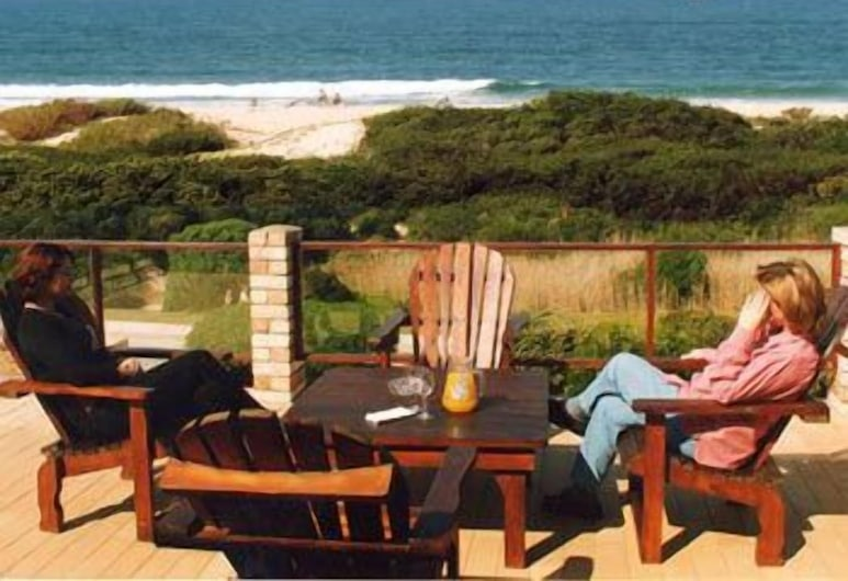 Bluewater Beachfront Guesthouse, Port Elizabeth, Terrass