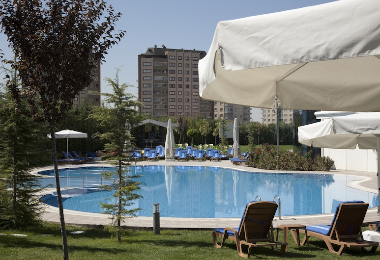 Dedeman Konya Hotel And Convention Center, Konya, Piscina al aire libre