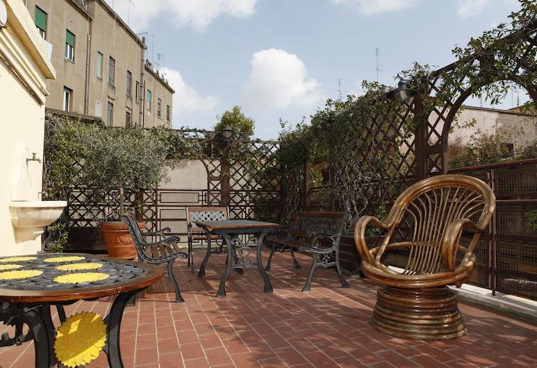 Hotel Adriatic, Rom, Terrasse/patio