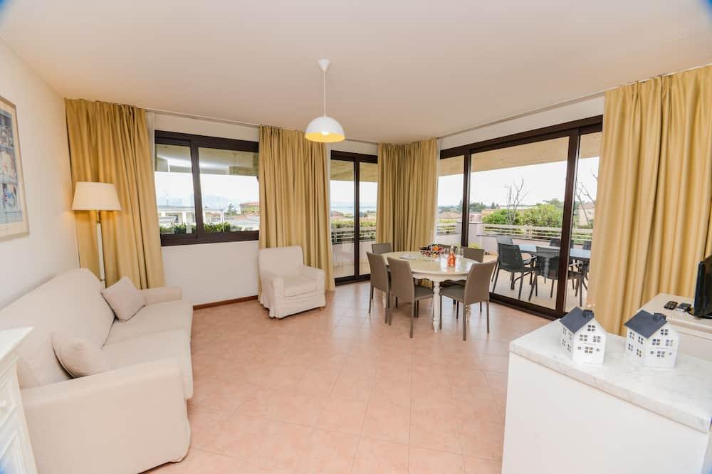 Apartment, 2 Bedrooms, Lake View - Ruang Tamu