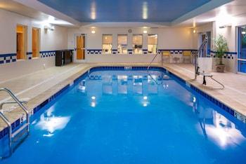 Mynd af Fairfield Inn & Suites by Marriott Greensboro Wendover í Greensboro
