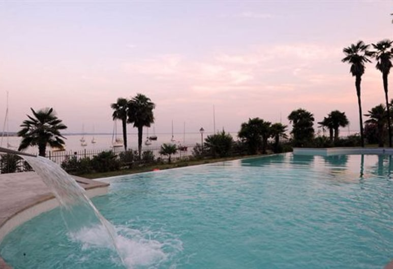 公園飯店, 加爾達, 頂樓游泳池