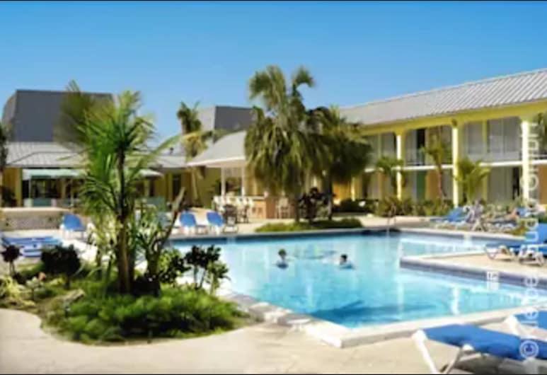 Royal Islander Hotel, Freeport, Poolside Bar