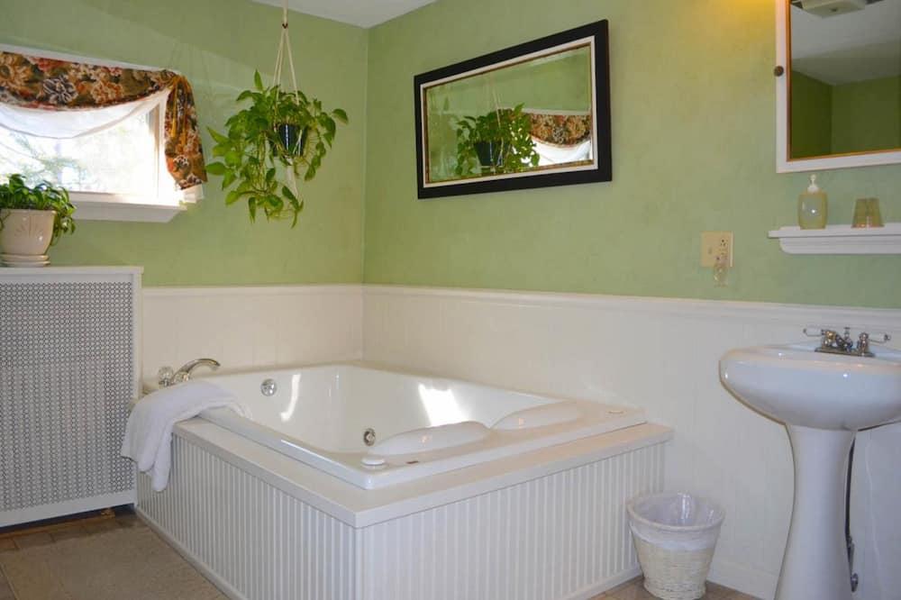 Tall Chimney Room - Sūkurinė vonia