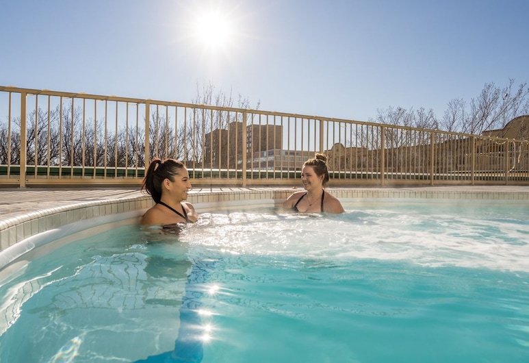 Temple Gardens Hotel & Spa, Moose Jaw, Outdoor Pool