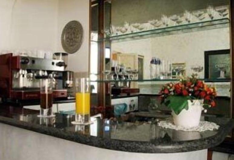 波爾塔皮亞酒店, 羅馬, 酒店酒吧