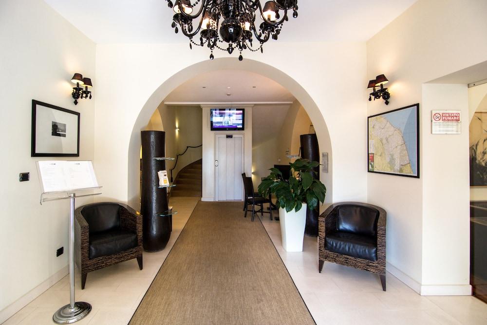 Terrazza marconi hotel spamarine senigallia interior entrance