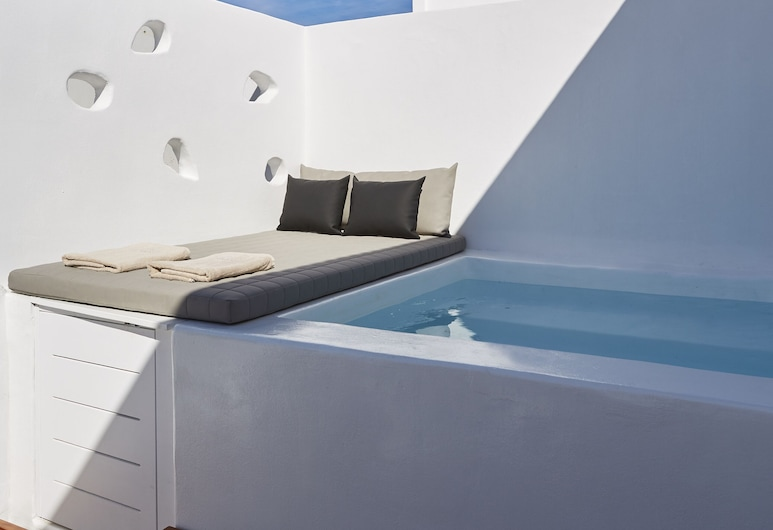 Loizos Stylish Residences, Santorini, Exclusive room, Outdoor Jetted Tub, Balcony