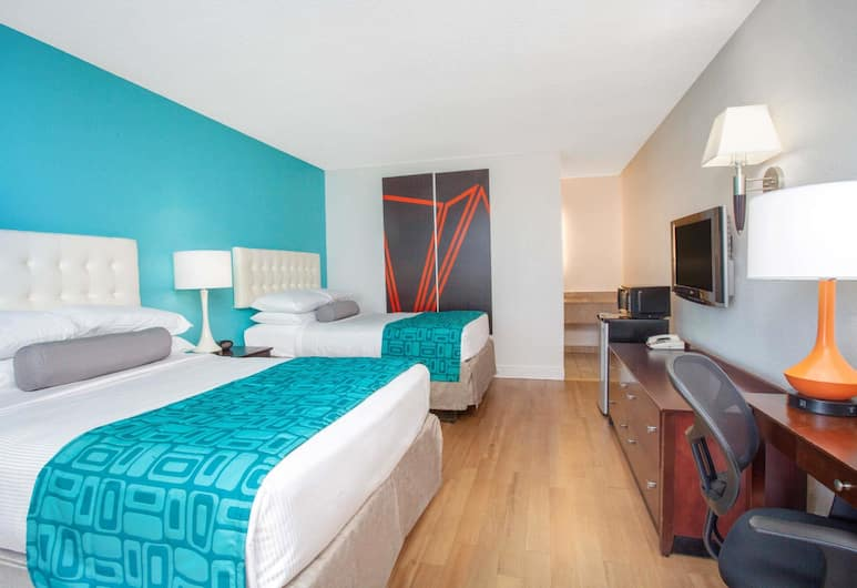 Howard Johnson by Wyndham Airport Florida Mall, Orlando, Double Room, 2 Double Beds, Smoking, Guest Room
