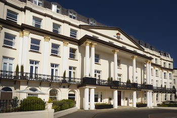 Enter your dates to get the Scarborough hotel deal