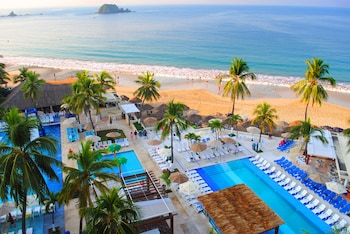 Picture of Fontan Ixtapa Beach Resort in Ixtapa