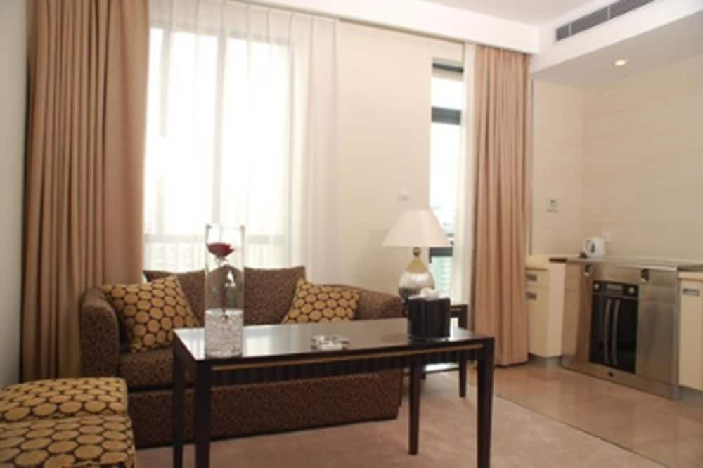 Deluxe Duplex, 3 Bedrooms - Living Room