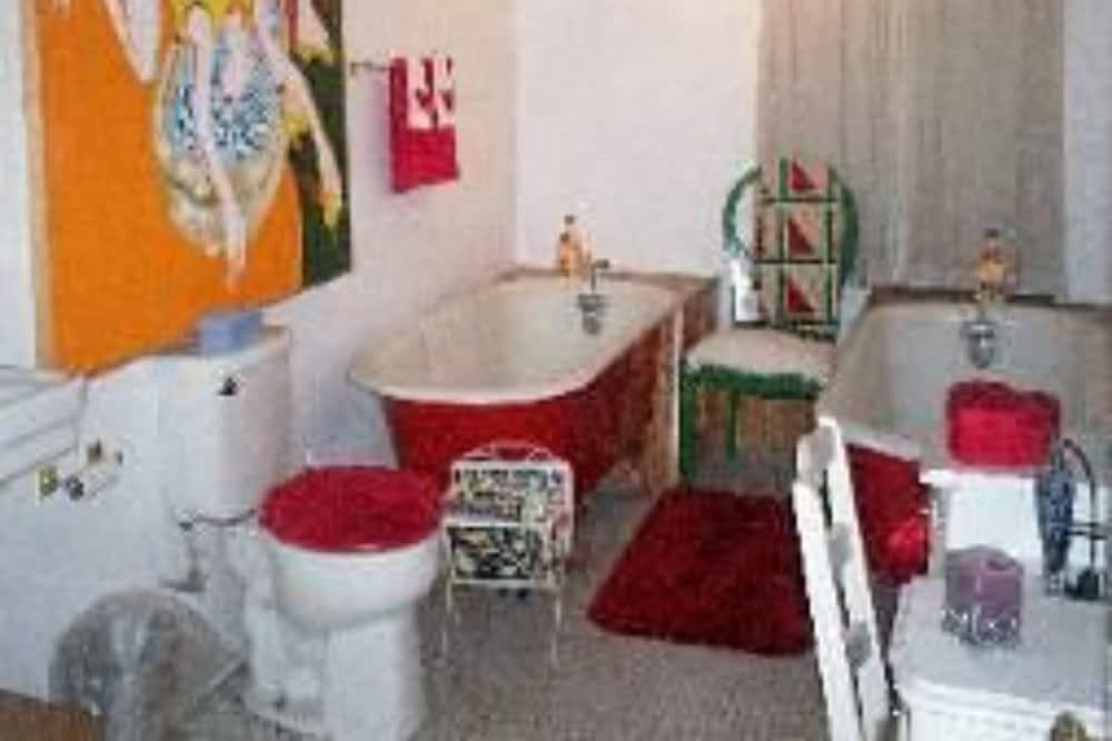 Room, Private Bathroom (Blue Flowers) - Bathroom