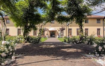 Foto Antico Borgo La Muratella di Cologno al Serio