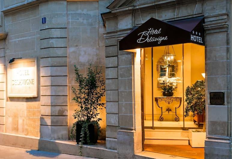 Hotel Delavigne, Paris, Otelin Önü