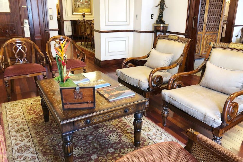 Royal sviit, 1 ülilai voodi, vaade linnale - Lõõgastumisala