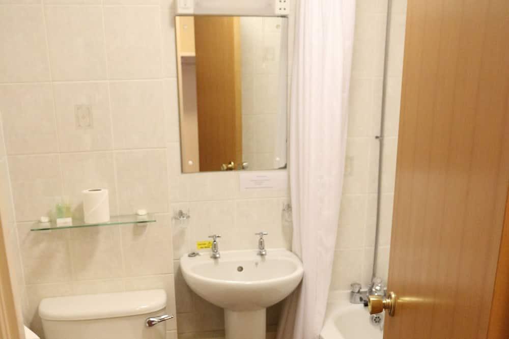 Chambre Double, vue jardin - Salle de bain