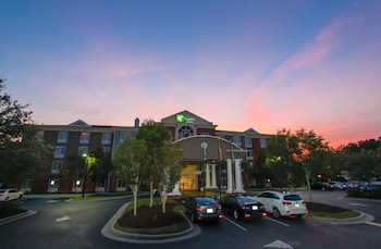 Picture of Holiday Inn Express Hotel & Suites Charleston-North in North Charleston