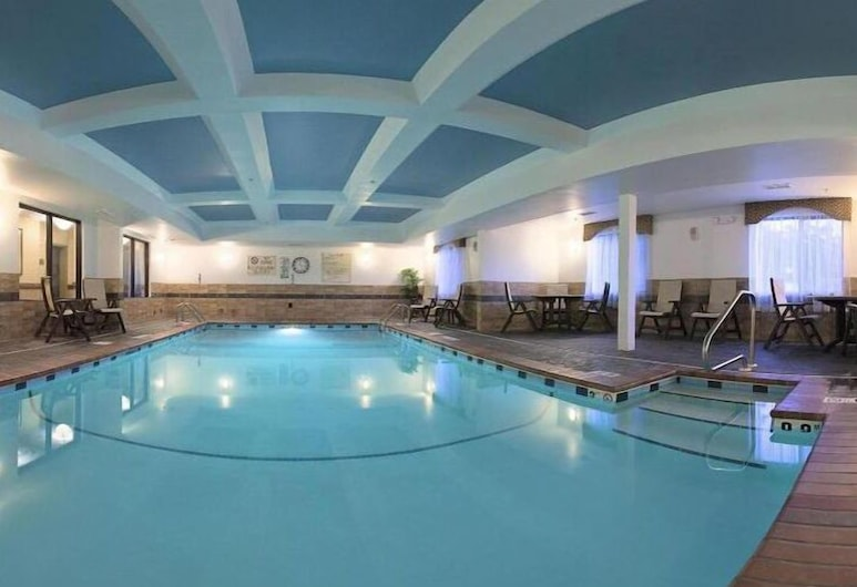 Holiday Inn Express Hotel & Suites Birmingham - Inverness, Birmingham, Indoor Pool