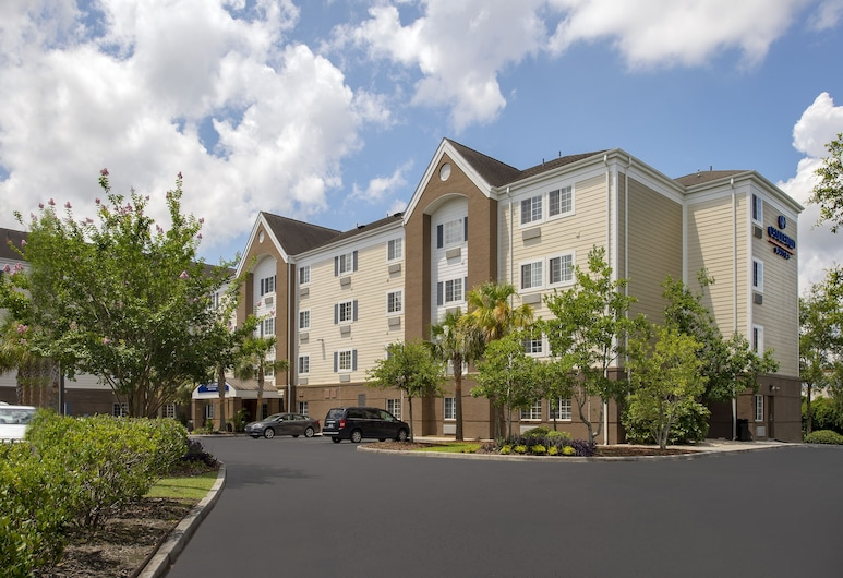 Candlewood Suites I-26 at Northwoods Mall, an IHG Hotel, North Charleston