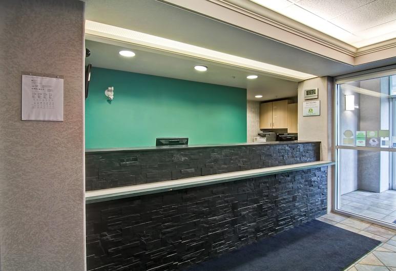 Home Inn Express - Medicine Hat, Medicine Hat, Reception