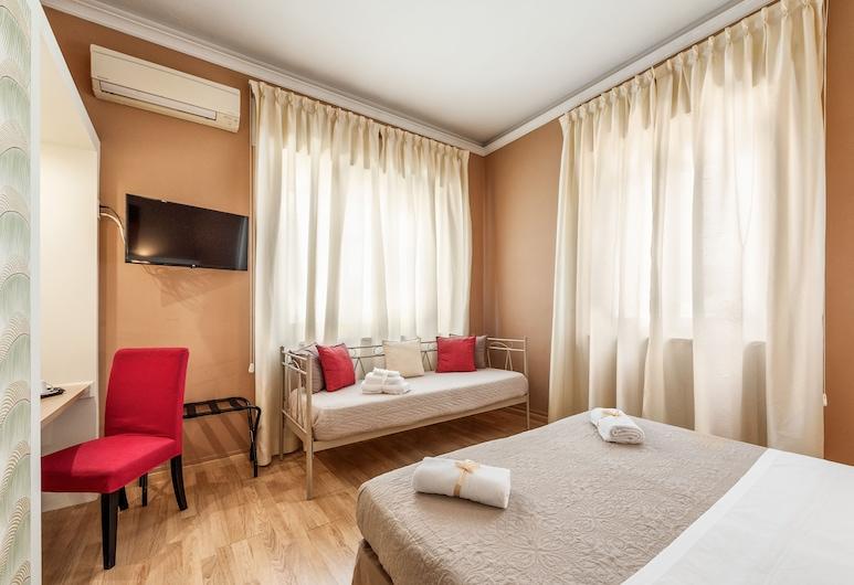 Lucca In Villa Elisa & Gentucca, Lucca, Triple Room, Guest Room