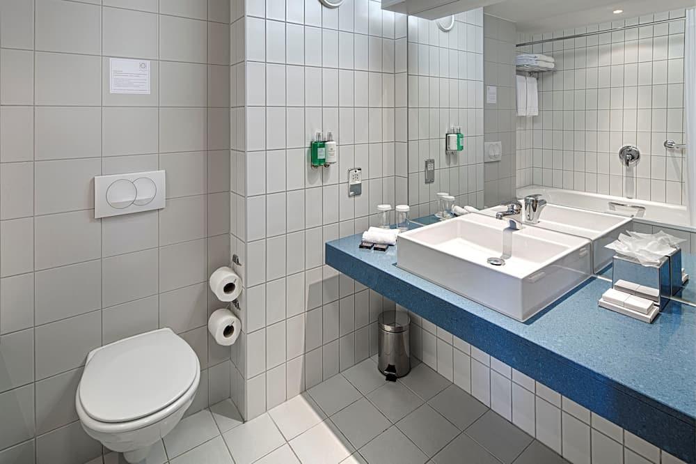 Club Twin Room, 1 Bedroom - Bathroom