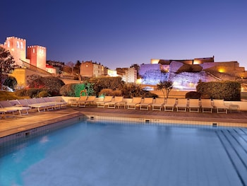 Enter your dates for our Marseille last minute prices