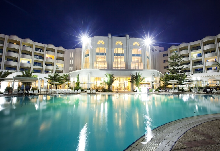 El Mouradi El Menzah, Hammamet, Standard Room, Hotel Front – Evening/Night