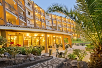 Foto Apart-hotel GHT Tossa Park di Tossa de Mar