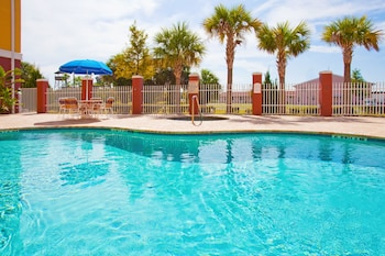 Foto Holiday Inn Express Hotel & Suites Port Richey di Port Richey