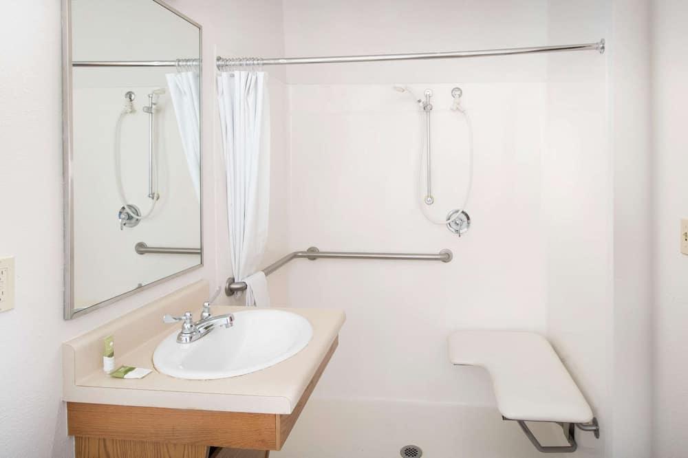 Δωμάτιο, 1 Διπλό Κρεβάτι, Πρόσβαση για Άτομα με Αναπηρία, Καπνιστών - Μπάνιο