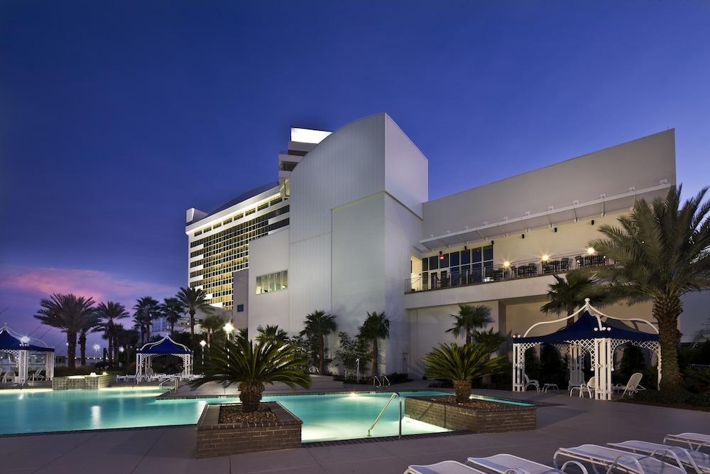 The palace casino resort emearld queen casino