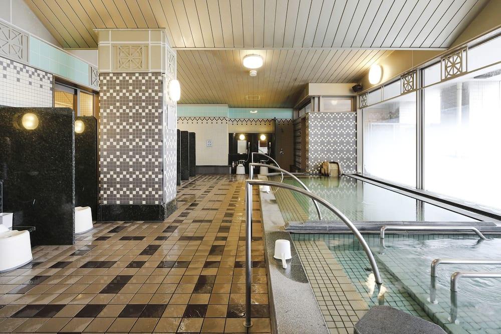 室內 Spa 池