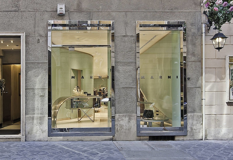 Intown Luxury House, Rome, Hotel Entrance