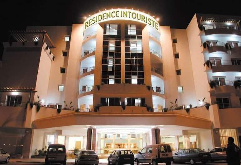 Residence Intouriste, Agadir, Voorkant van de accommodatie - avond