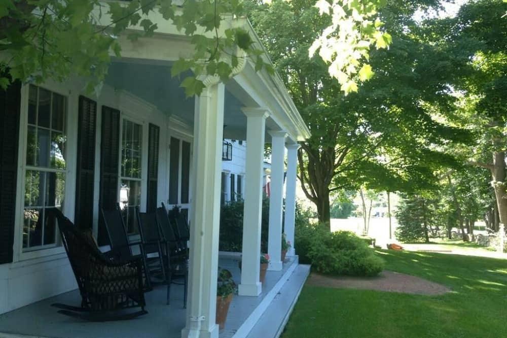 特級雙人房, 獨立浴室 (Americana Suite) - 露台景觀