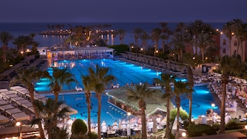 Enter your dates for special Hurghada last minute prices