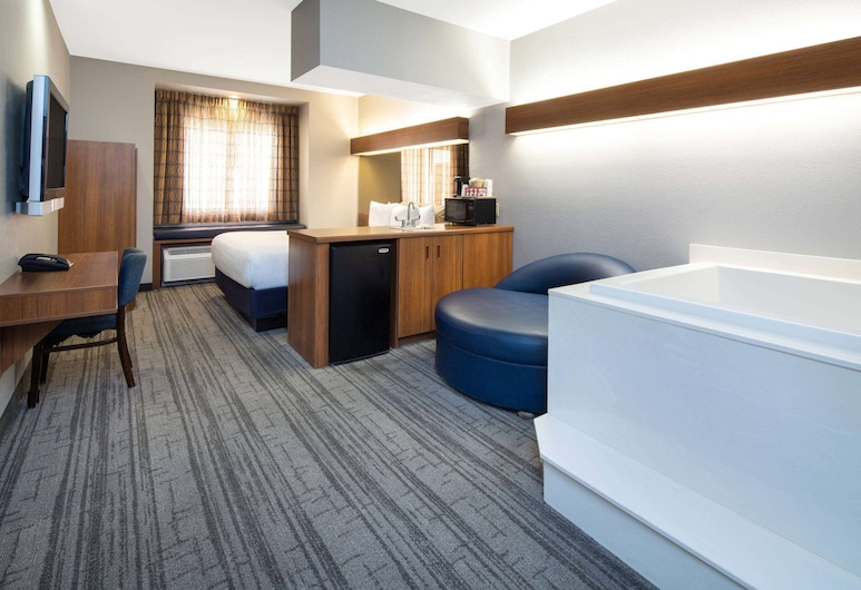 Baymont by Wyndham Las Vegas South Strip, Las Vegas, Deluxe Studio Suite, 1 King Bed, Non Smoking, Guest Room