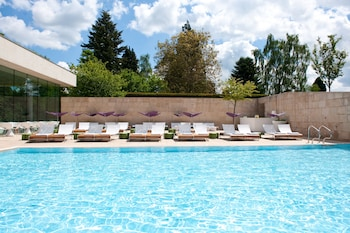 Enter your dates to get the Cheltenham hotel deal