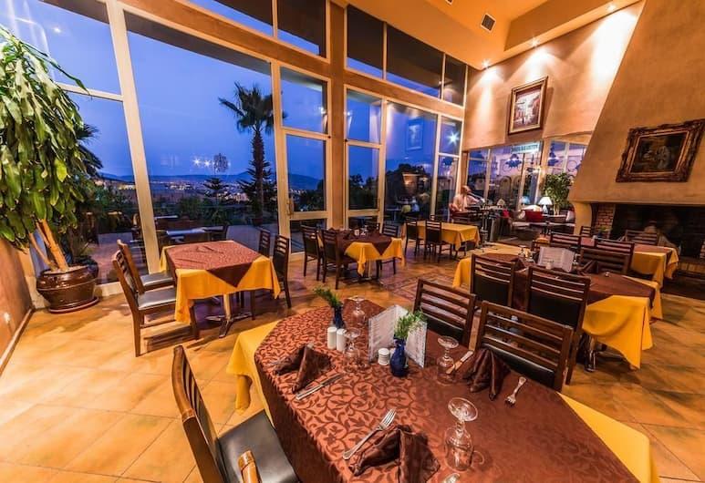 Menzeh Zalagh, Fès, Restaurant