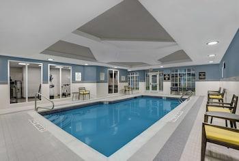 倫敦安大略霍姆伍德希爾頓套房飯店的相片
